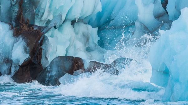 Blue iceberg on Svalbard -  - Nikon D4s, 200-500mm @ 260mm, 1/1600sec, f/8 and ISO 1250